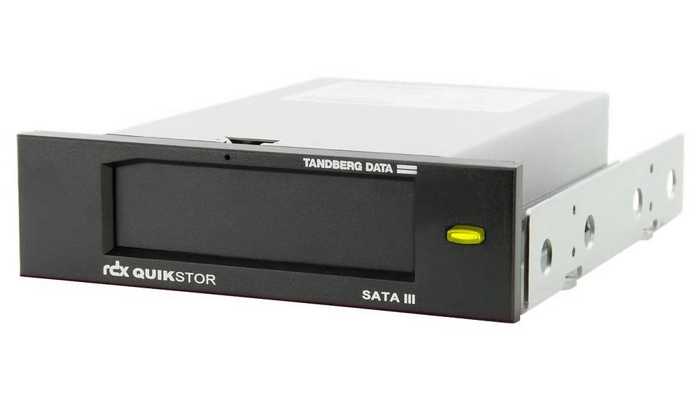 Khay cắm SATA 5.25 inch Tandberg RDX QuikStor (8813-RDX), dùng để lắp đặt cartridge HDD di động RDX.