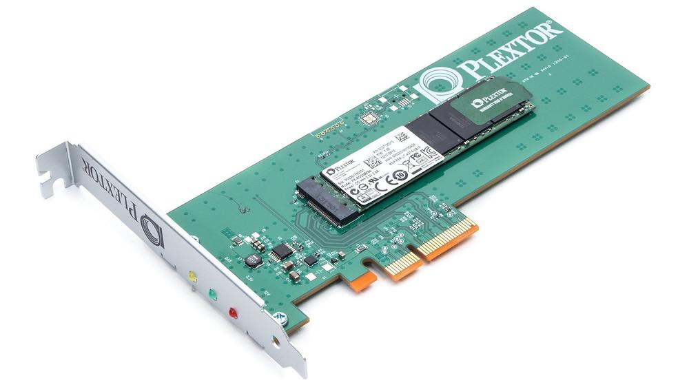 """SSD PCIe có nhiều kích cỡ, thông dụng nhất là """"half-height, half-length"""". Nhưng sự xuất hiện của một kích cỡ mới, rất nhỏ gọn M.2 đang trở nên phổ biến, do nhu cầu phát triển của máy tính tiêu dùng ngày càng nhỏ hơn."""
