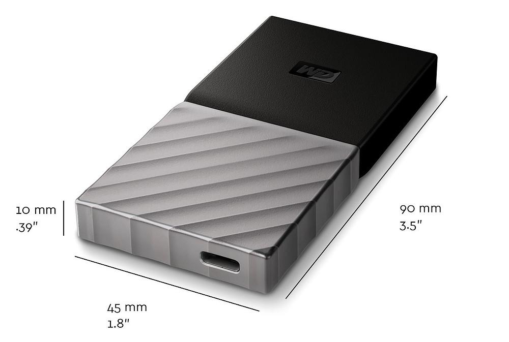 Với kích thước 90 x 45 x 10mm, SSD My Passport có giá bán lẻ đề xuất là 399,99 USD (tương đương 9 triệu đồng) cho model 1TB.