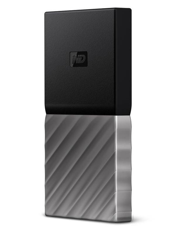 My Passport có kích cỡ vừa lòng bàn tay, sở hữu tốc độ đọc ghi tương đương với các SSD gắn trong dùng cổng SATA - lên đến 515 MB/s.