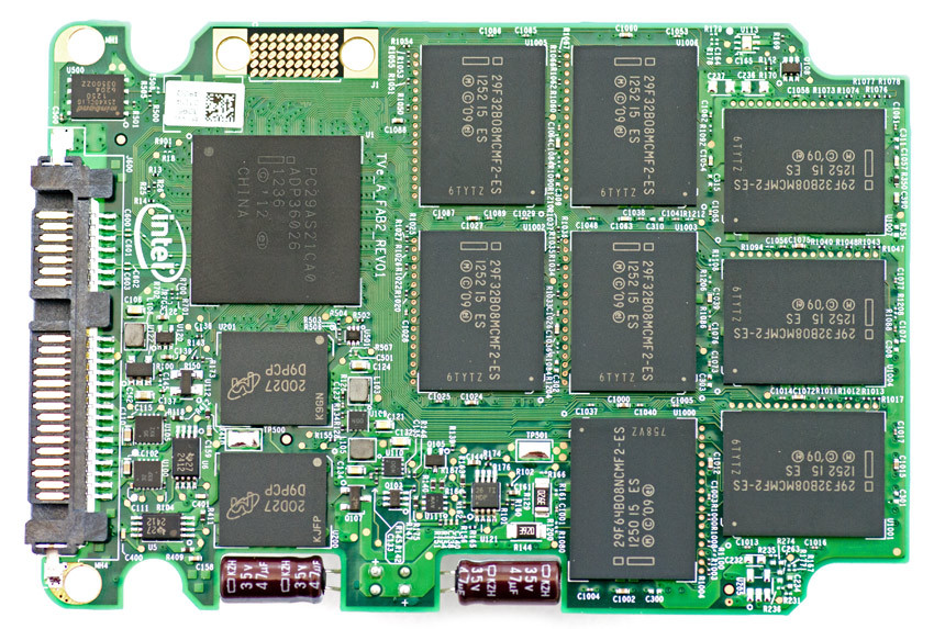 Bo mạch của SSD Intel DC S3500.