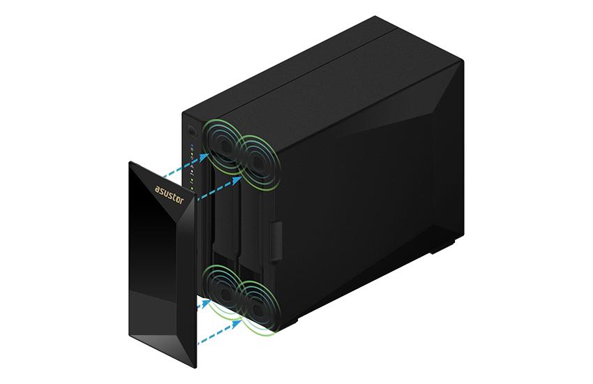 Mặt trước là nắp đậy bằng từ tính màu đen với kiểu cắt kim cương, giúp dễ dàng tiếp cận ổ cứng bên trong, đồng thời mang tính thẩm mỹ và chống bám bụi.