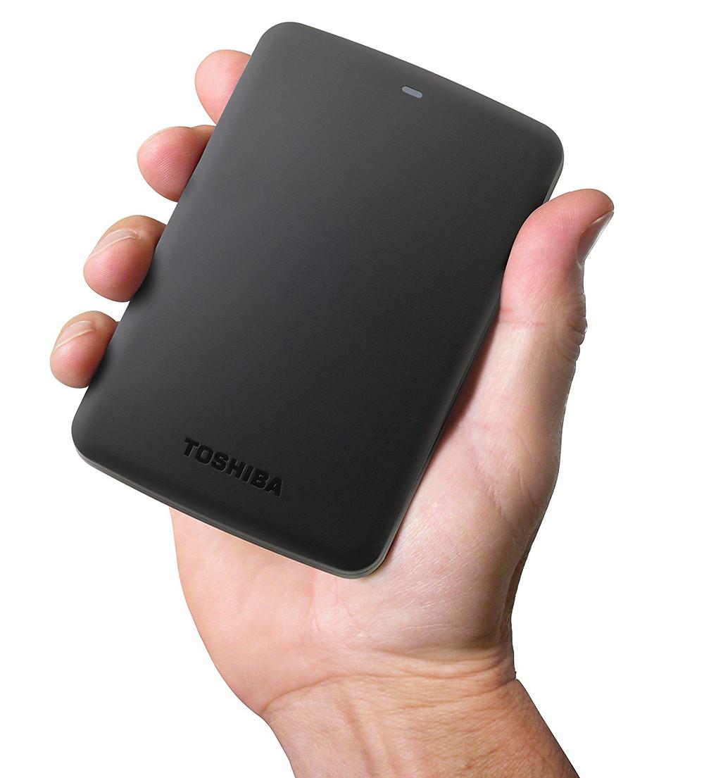 Ổ cứng gắn ngoài Toshiba Canvio Basics 1TB.