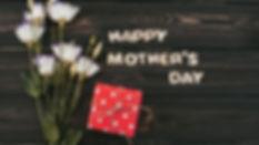 tsvety-white-happy-wood-flowers-eustoma-