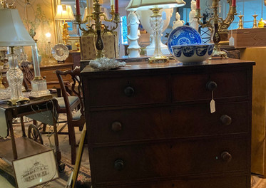 18th century chest, dovetailing, flame mahogany