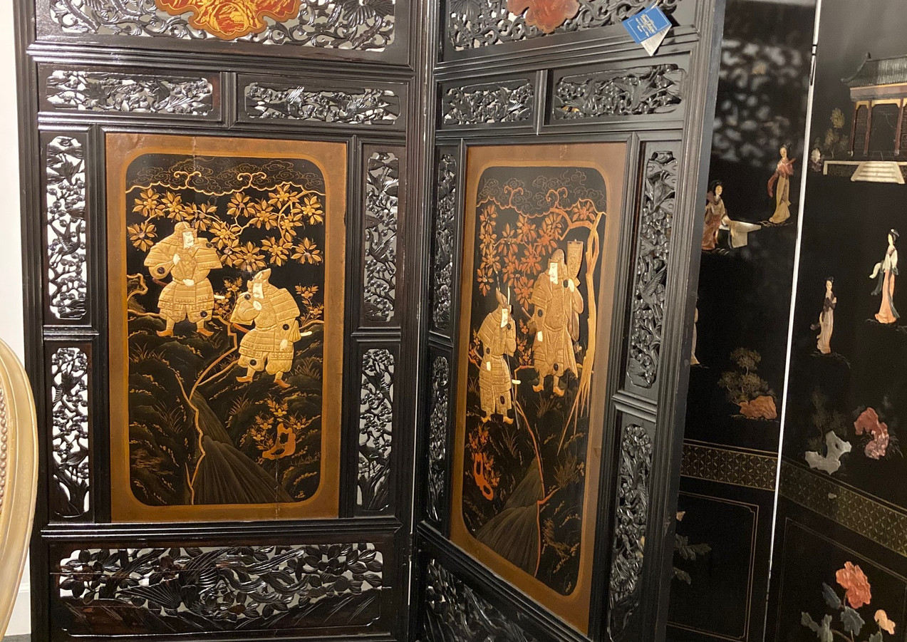 Japanese carved, reticulated screen, lacquered Samurai warrior (c.1880)/ Coromandel oriental screen