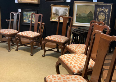 Queen Anne dining chairs, 18th century, Set of six