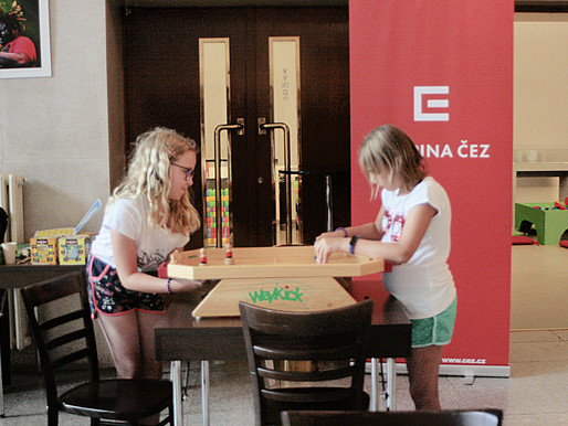 Foyer se změnil v hernu pro děti aneb Mekuc dětem