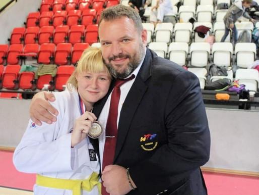 Anička Walterová si odnesla tři zlaté medaile z online ligových soutěží
