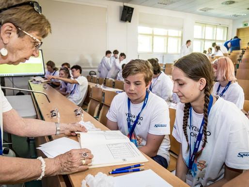 Čtvrtý ročník chemické soutěže pro žáky základních škol vyhrál tým z Neratovic