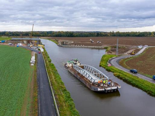 Nový most překlenul plavební kanál Vraňany - Hořín