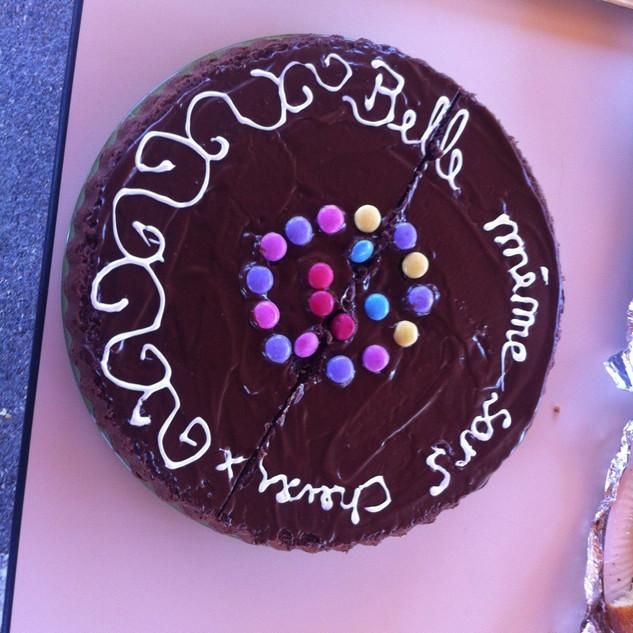 Gâteau au nom de l'association