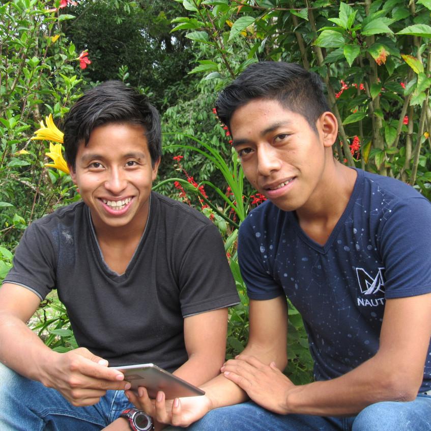 e-Readers aid Maya Jaguar students