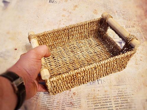 Корзина с деревянными ручками