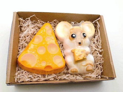 Набор «Сырный запас» в подарочной коробке