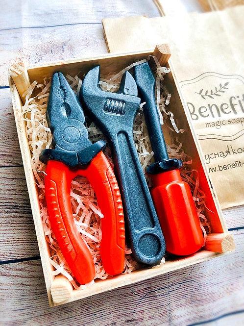 «Настоящие инструменты» подарок для мужчины