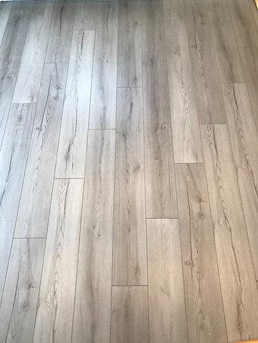 7mm standard grey oak . V groove . Fast clip