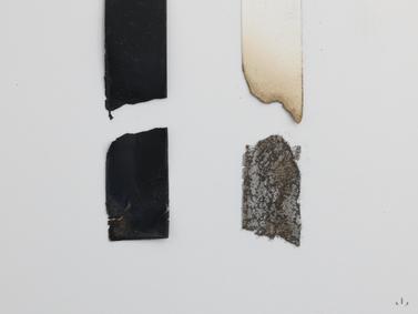 防炎紙と耐炎塗料