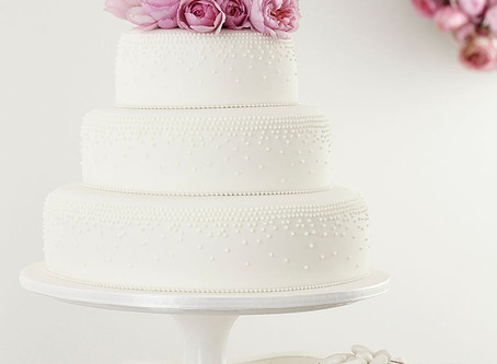 Why sugar flowers are better than real ones (on a wedding cake)