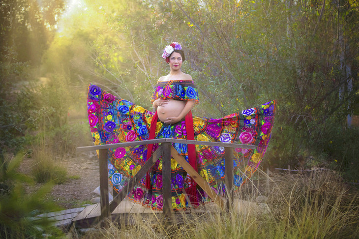 Traditional Mexican inspired maternity photo session