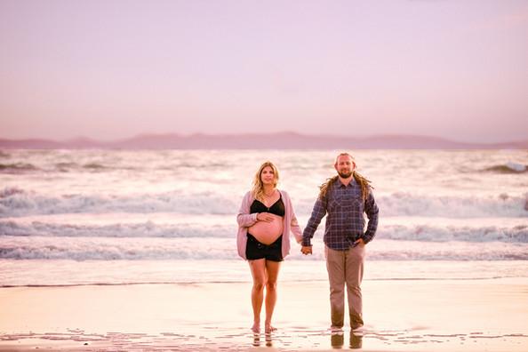 Modern-maternity-photo-session_010