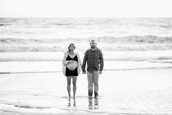 Modern-maternity-photo-session_011