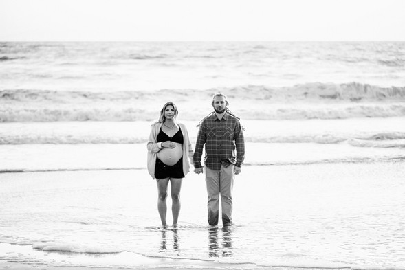 Modern-maternity-photo-session_011