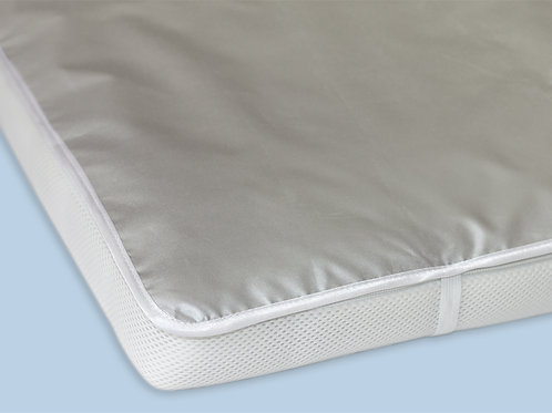 Непромокаемая пелёнка в детскую кроватку