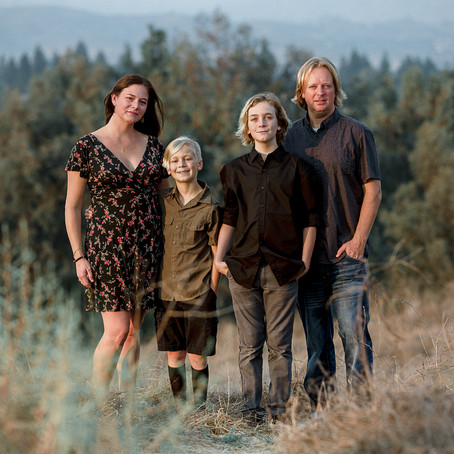 2020 Holiday Mini Sessions in Ojai, Ventura & Van Nuys