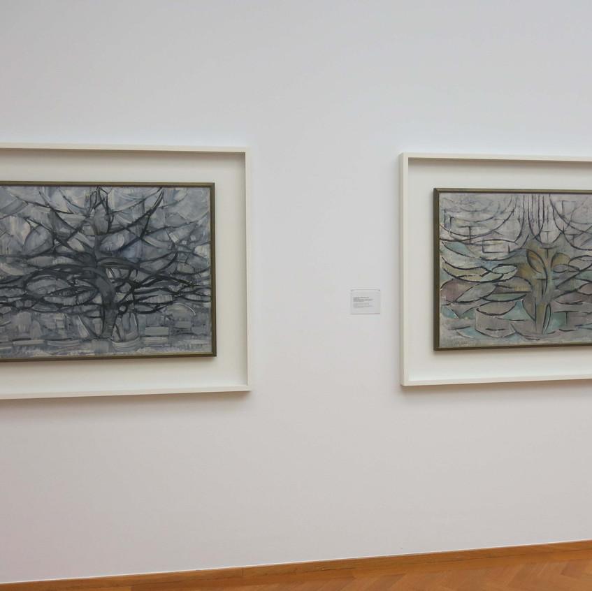 Piet Mondrian [1872-1944] Right: The grey tree, 1911 Left: Flowering Apple Tree, 1913