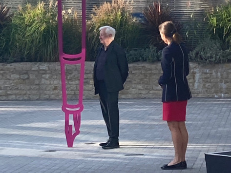Fountain Pen by Michael Craig-Martin unveiled in Oxford
