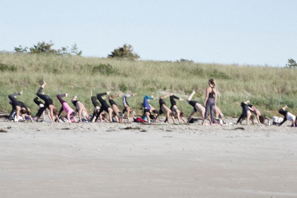 beachonelegdd.JPG