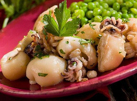 香草蒜茸醬燉野生小墨魚配青豆
