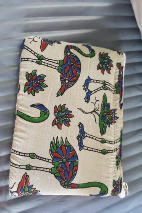Kalamkari Purse With Sponge