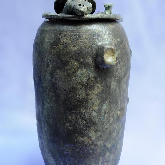 Crocodile urn