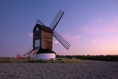 Pitstone_Windmill.jpg