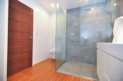 Unit 83B Bathroom