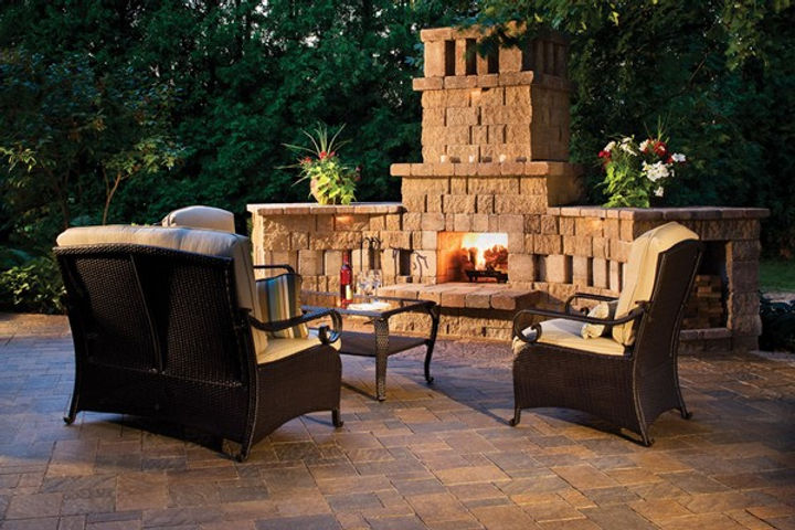 outdoor-fireplace-diy.jpg