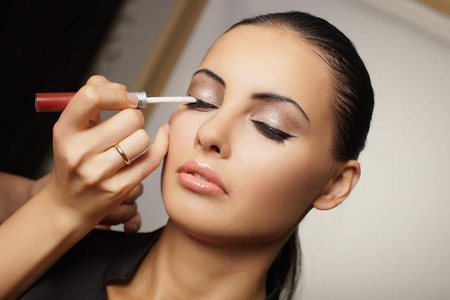 makeup-photos-1500x1000.jpg