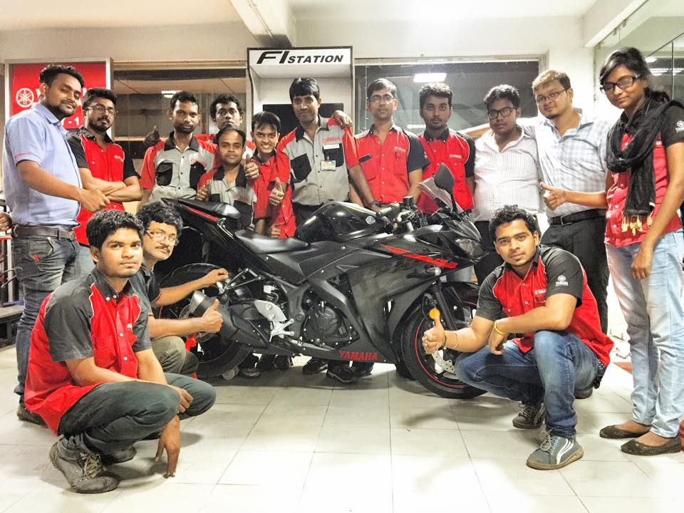 Workshop Team with Yamaha YZF R3
