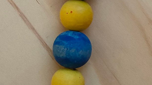 Natural Wood Bead Keychain - Blue/Yellow
