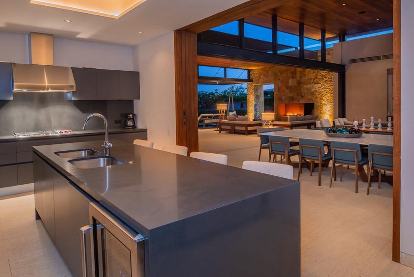 West Enclave Ritz Carlton Residence 7 (4