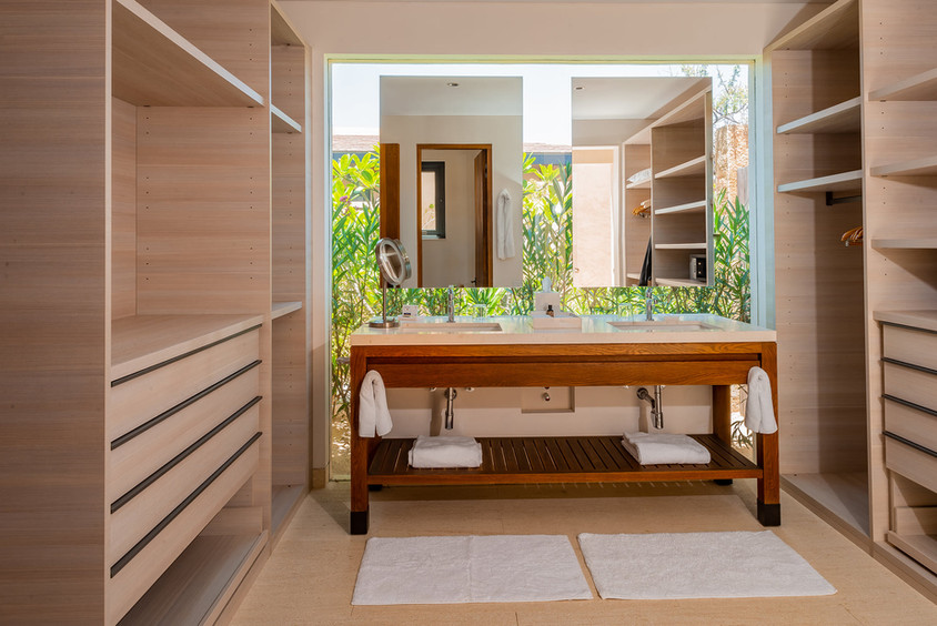 West Enclave Ritz Carlton Residence 7 (1