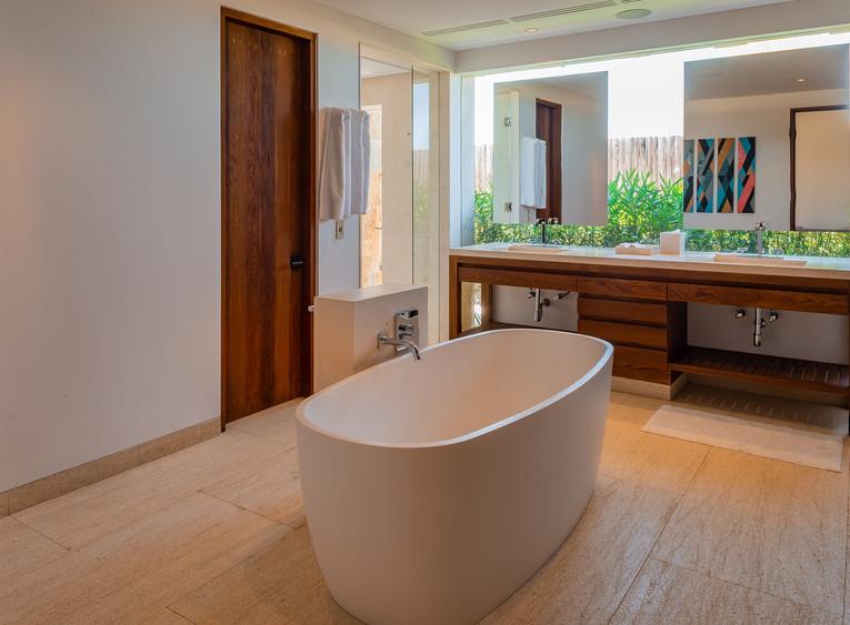 West Enclave Ritz Carlton Residence 7 (3
