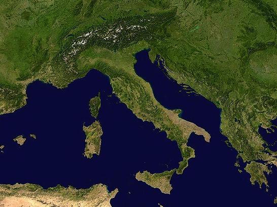 800px-Italy_12.68449E_42.33265N.jpg