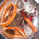 gin tonica de pimenta rosa e laranja.jpg
