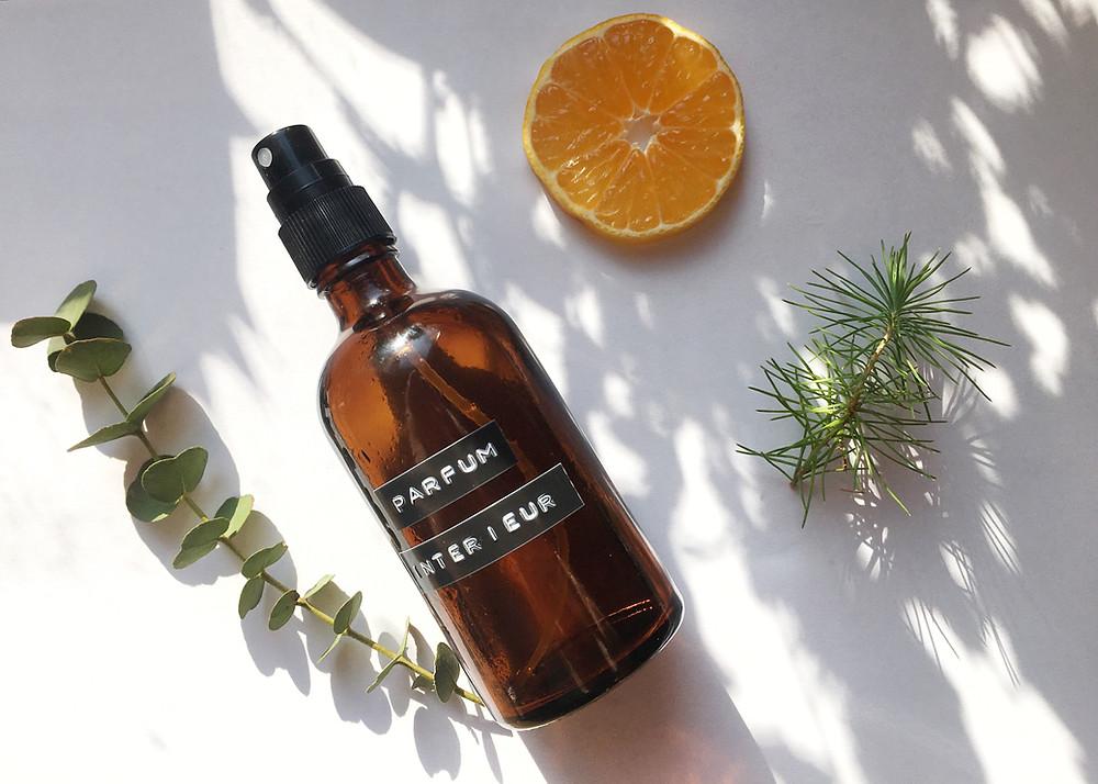 Voici la recette pour réaliser vos parfums d'intérieur sains et naturels aux huiles essentielles !