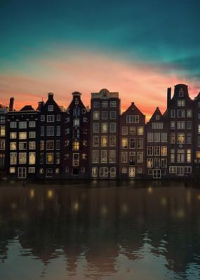 Amsterdam_at_night.jpg