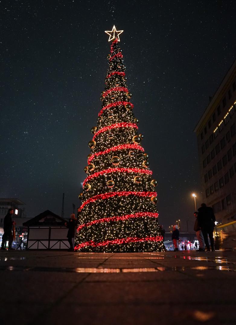 Christmas_tree_ESSEN.jpg