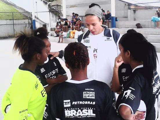 Orientações com o técnico Marcelo
